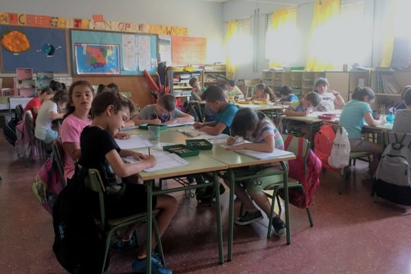Learn about life as a language assistant in Spain. This post features the North American Language and Culture Assistants aka auxilares de conversación.